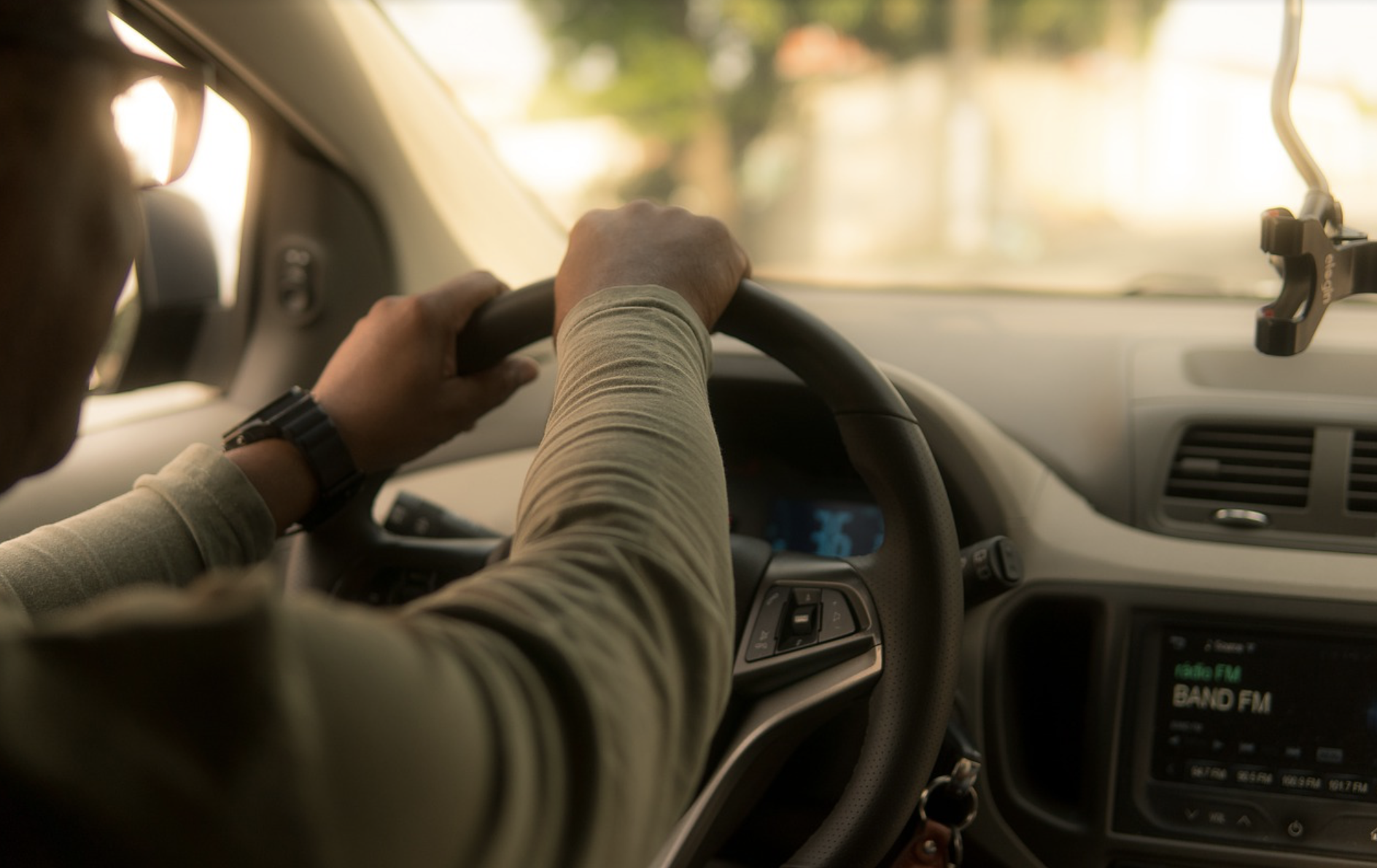 Are You an Uber Driver? All You Need To Know About Tax Deductions for Laptop, Phone & Work-Related Devices